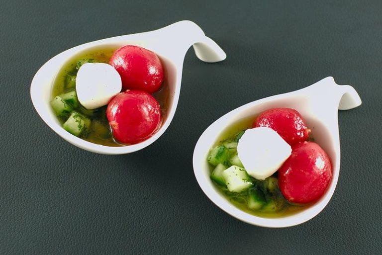 Eingelegte Tomaten | Orangen-Vanille-Öl | Gurkensalat | Mozzarella