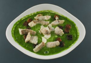 Read more about the article Erbsensuppe | Seelachs | Roggenbrot-Croutons | Crème fraîche