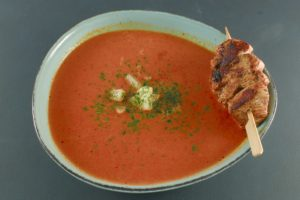 Read more about the article Paprika-Kokos-Suppe | Ananas | Hühnchenspieß