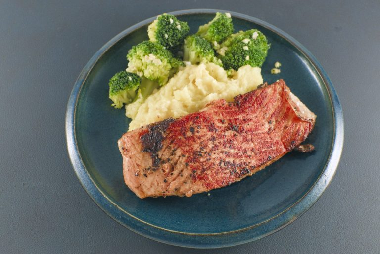Lachsfilet | Kartoffelpüree | Brokkoli