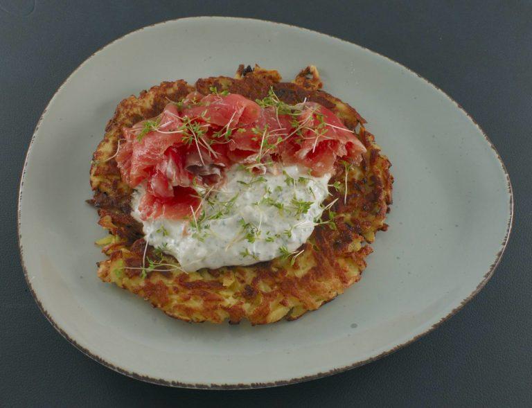 Read more about the article Kartoffelpuffer | Kräuterquark | Lachs