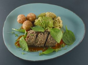 Read more about the article Iberico-Filet | Sesammantel | Karotten-Ingwer-Sauce