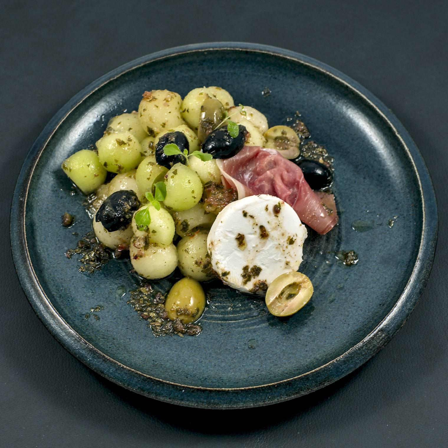 Melonensalat | Serrano-Schinken | Ziegenfrischkäse