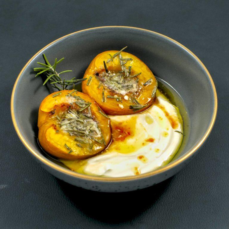 Aprikose | griechischer Joghurt | Rosmarin