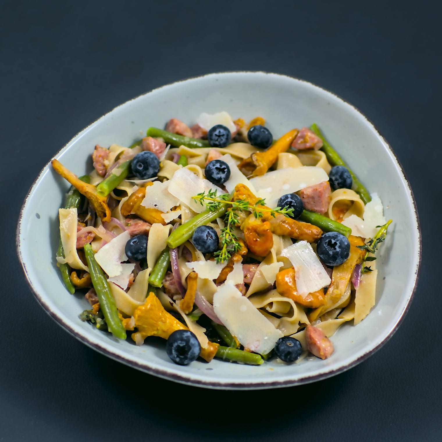 Pasta | Pfifferlinge | Salsiccia  | grüne Bohnen | Blaubeeren