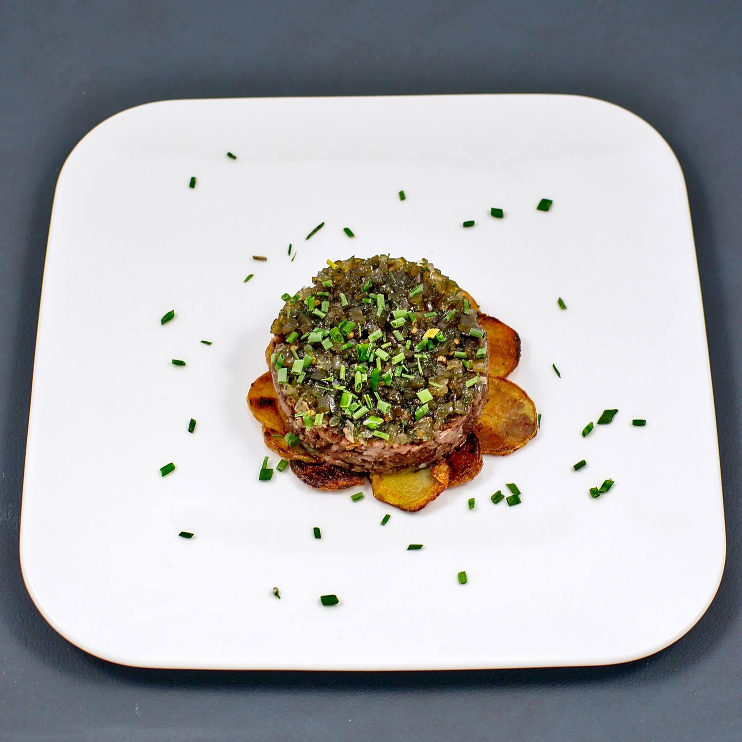 Westfälische Rinderwurst | Bratkartoffeln | Gewürzgurkenrelish