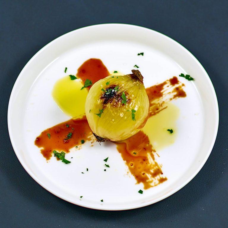 Read more about the article Gegrillte Zwiebel | BBQ-Laq Chili-Ingwer von Eat21 | Werbung